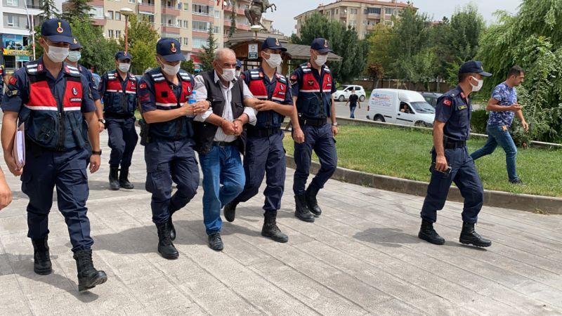 Niğde'de arazi anlaşmazlığı nedeniyle çıkan kavgada baba ile oğlunu öldüren zanlı tutuklandı