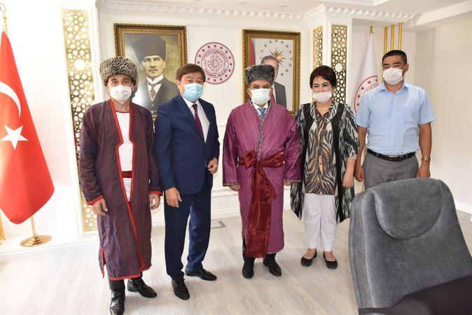 TÜRKSOY Genel Sekreteri Kaseinov'dan Vali Işık'a ziyaret