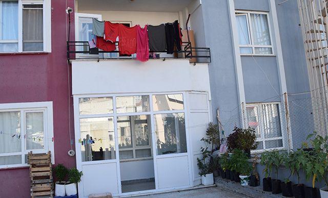 Antalya'da balkondan girdiği evde eski eşini ve kayınvalidesini öldürdü
