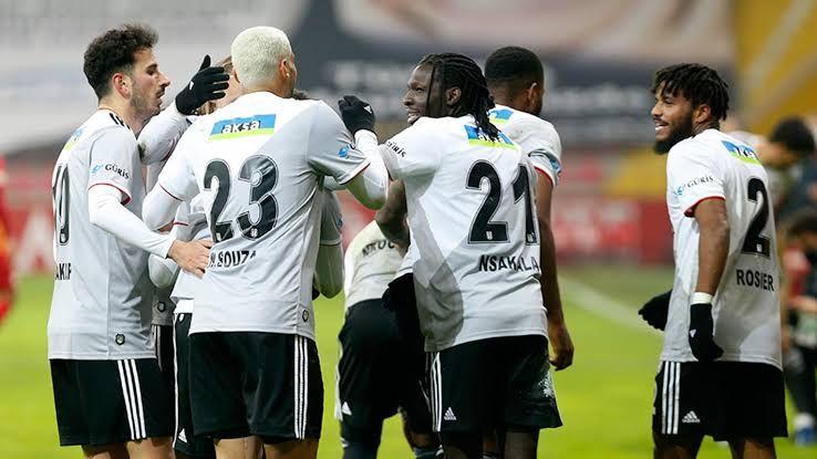 Beşiktaş'ın, Çaykur Rizespor maçı hazırlıkları sürüyor