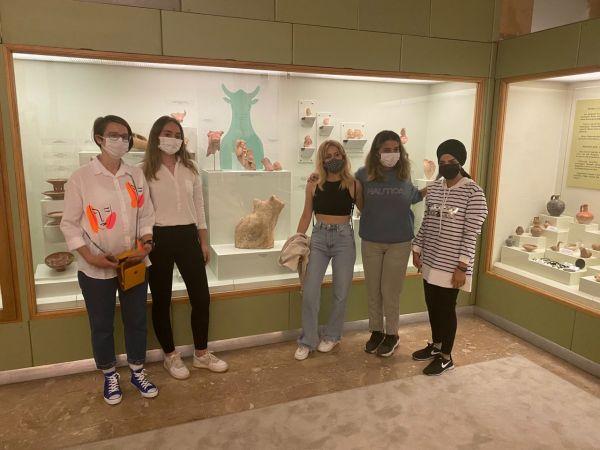 Kazıda bulunan eserler müzede sergileniyor