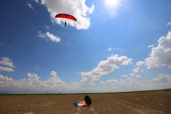 Yamaç paraşütçüleri, Şehit Ömer Halisdemir için uçtular
