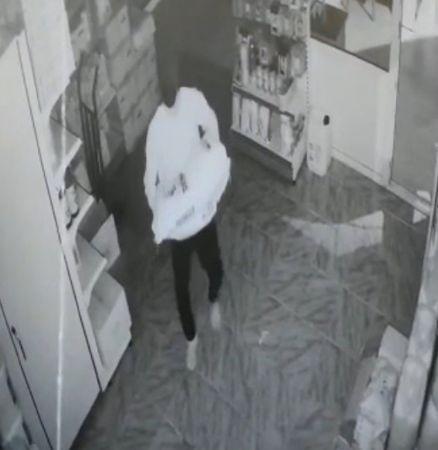 Önce güvenlik kamerasına ardından jandarmaya yakalandı