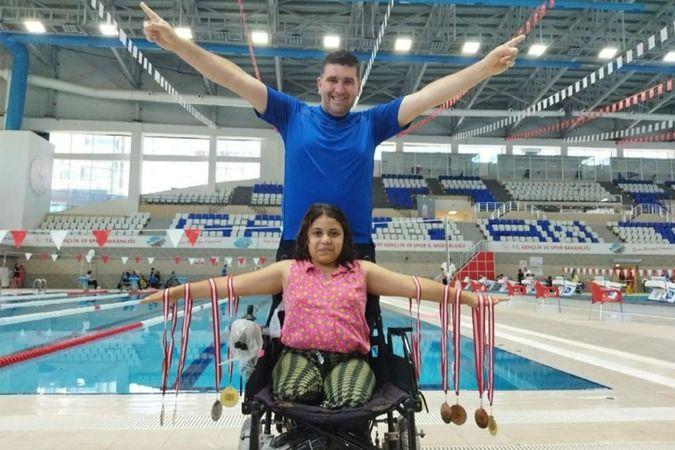 Yüzmenin altın çocukları madalyaya doymadı!