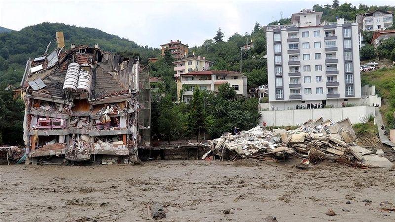 Sel felaketinde can kaybı 27'ye yükseldi