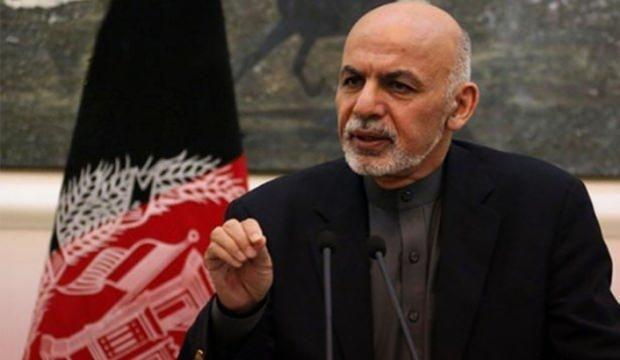 Afgan lider Eşref Gani hakkında iddia: Paraları helikoptere sığmadı