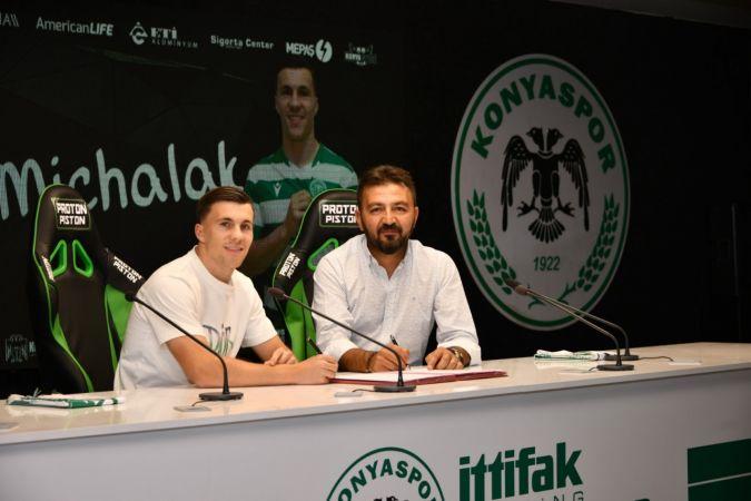 Konyaspor, Polonyalı Konrad Michalak'ı transfer etti