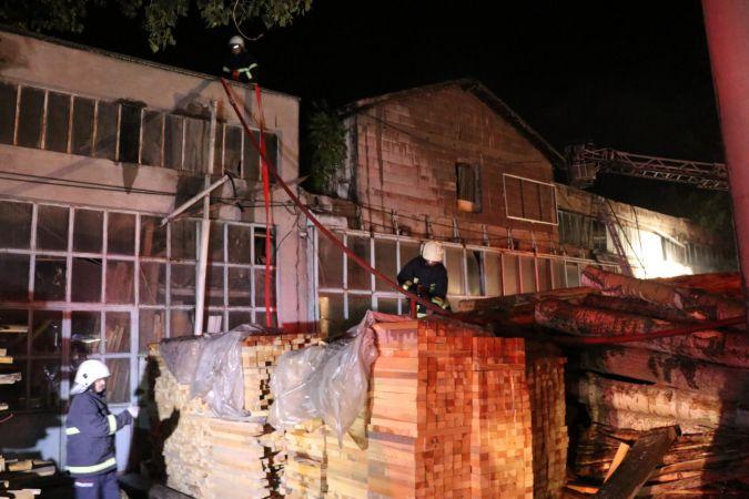 Kereste fabrikasında çıkan yangın söndürüldü