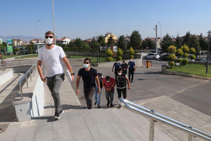 Karaman'da uyuşturucu operasyonunda gözaltına alınan 3 kişiden 1'i tutuklandı