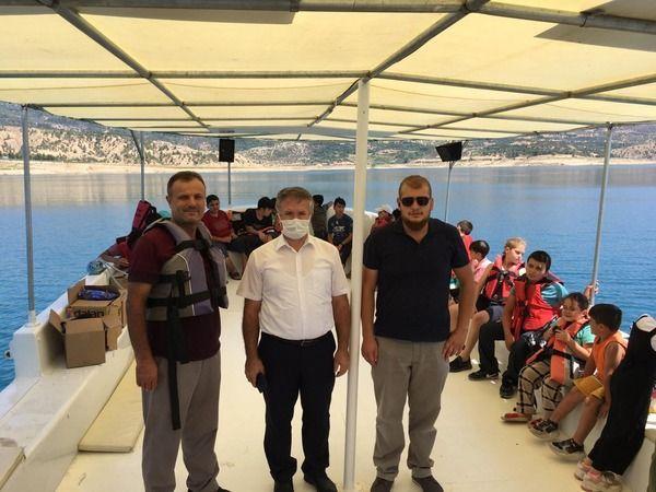 Belediye başkanından yaz Kur-an kursu öğrencilerine tekne turu
