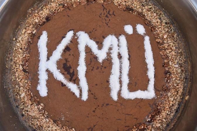 KMÜ'de geleneksel aşure ikramı yapıldı