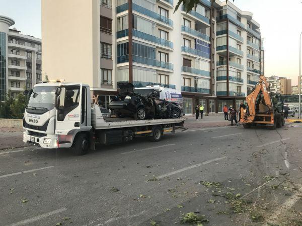 Karamanlı aile kaza yaptı 3 ölü, 1 yaralı