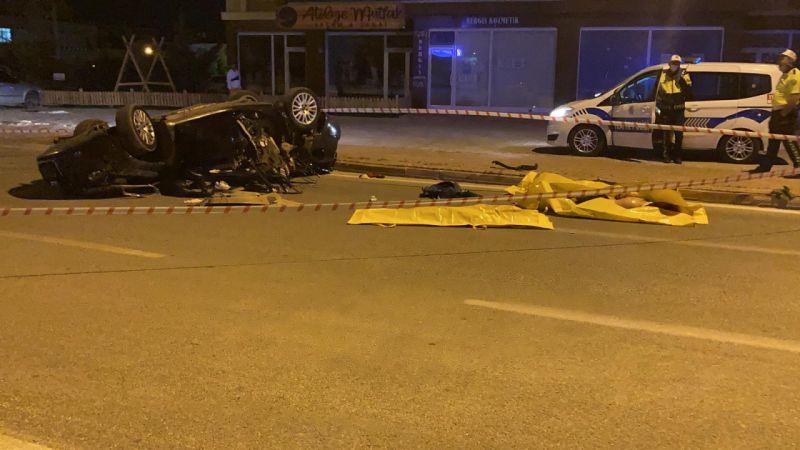 Konya'da otomobil takla attı: 3 genç öldü