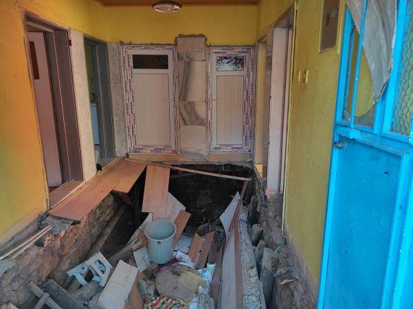 Konya'da oturdukları evin zemini çöken aile yaşadığı şoku atlatamıyor