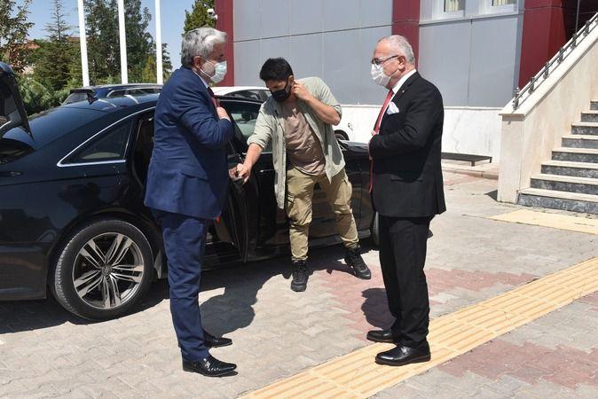 KMÜ Rektörü Namık Ak, Aksaray Üniversitesi Rektörünü Ağırladı