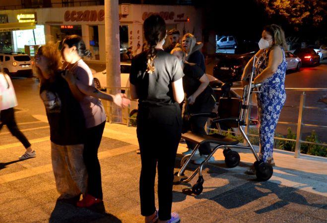 Mersin'de yaşamını yitiren Kovid-19 hastasının yakınları 3 sağlık çalışanını darbetti