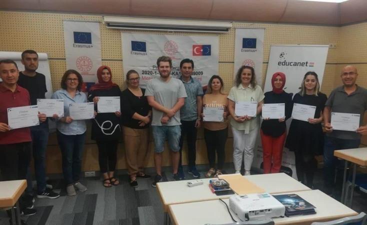 """""""Geleceğe Gönderilen Mesajlar"""" projesi ile öğretmenler Avrupa'da"""