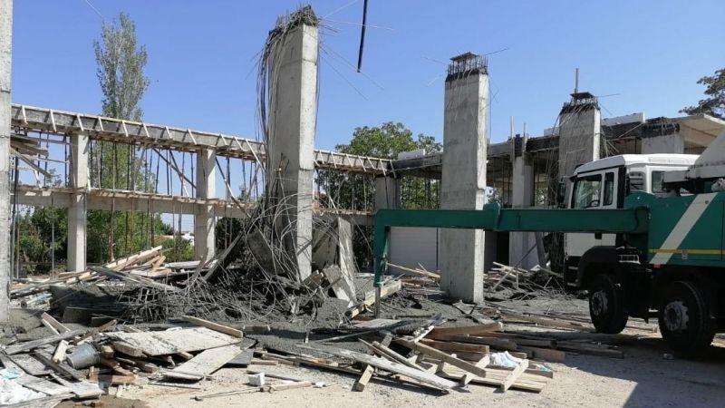 Ereğli'de bina çöktü, 3 usta yaralandı