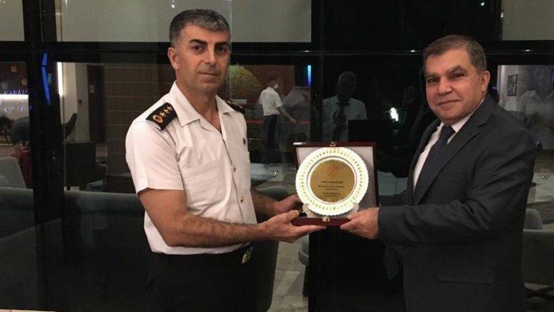 Vali Işık, İl Jandarman Komutanı Albay Şahin'e veda yemeği verdi