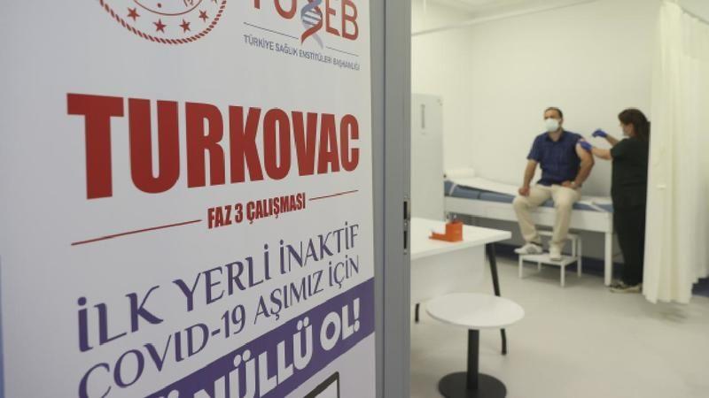 """""""TURKOVAC"""" aşısı gönüllülere uygulanıyor"""