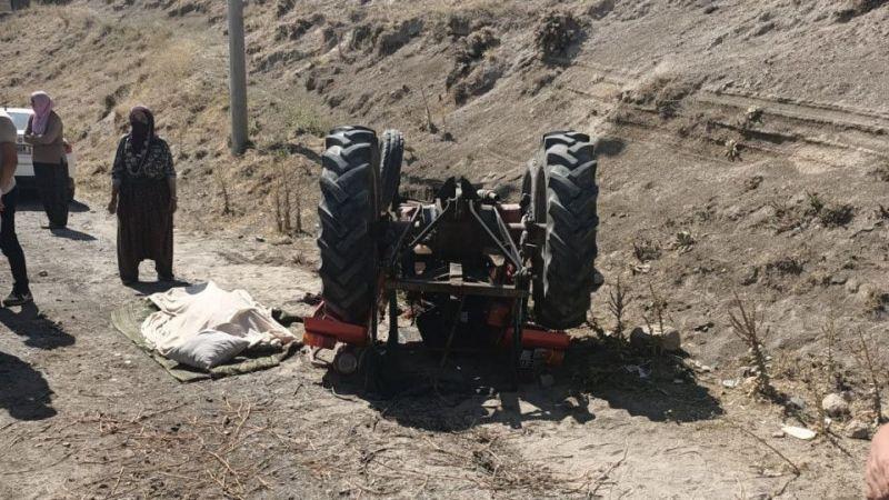 Traktör devrildi; 1 ölü 1 yaralı