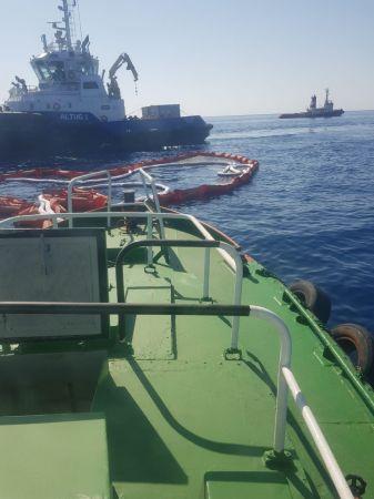 Bakan Karaismailoğlu: Petrol sızıntısına karşı Akdeniz'i bariyerle kapattık