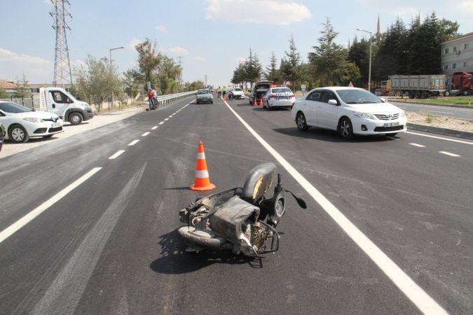 Otomobille çarpışan elektrikli bisikletin sürücüsü hayatını kaybetti
