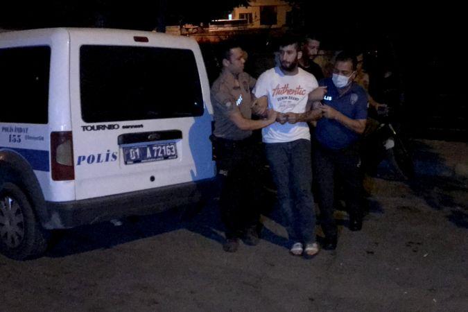 Adana'da bekçilerce durdurulan otomobilde silah ele geçirildi