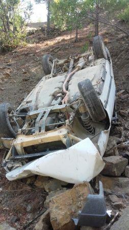 Otomobil 200 metrelik uçurumdan yuvarlandı: 2 yaralı