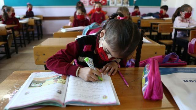Yeni eğitim öğretim yılı takvimi netleşti! İşte tatiller ve karne günleri