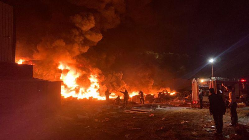 Konya'da plastik fabrikasında yangın - 1