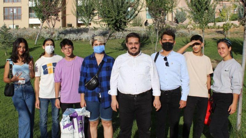 CHP Karaman Gençlik Kolları sokak hayvanlarına mama dağıttı
