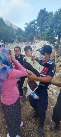 Adana'da kaybolan 2,5 yaşındaki çocuğu jandarma ekipleri buldu