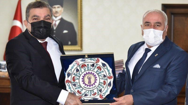 Karaman'da Ahilik Haftası dolayısıyla Vali Mehmet Alpaslan Işık'a ziyaret
