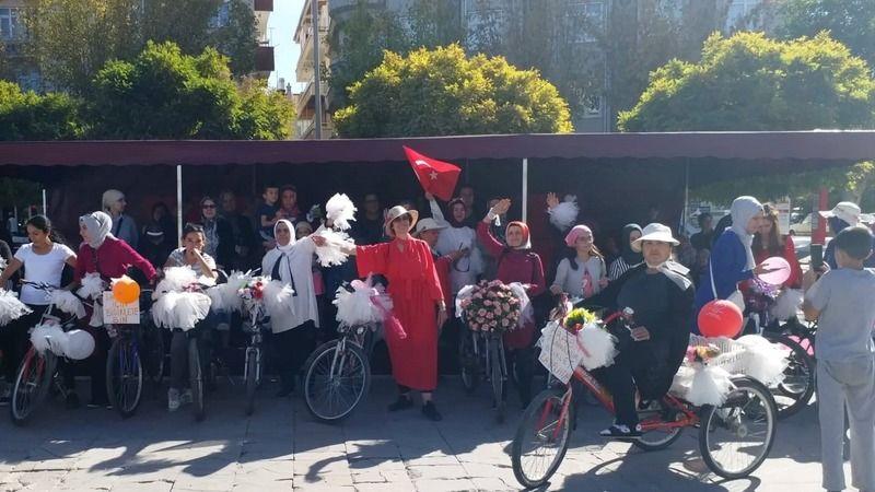 """Karaman'da """"Süslü Kadınlar Bisiklet Turu""""nun Üçüncüsü Düzenlenecek"""