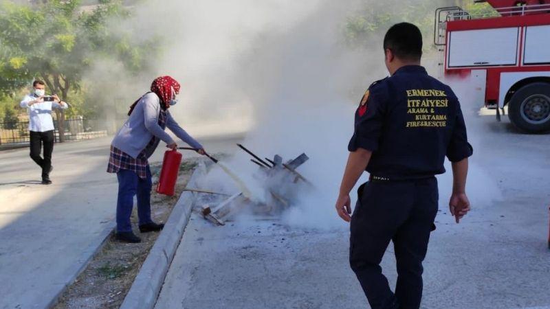 Ermenek'te hastane personeline yangın eğitimi verildi