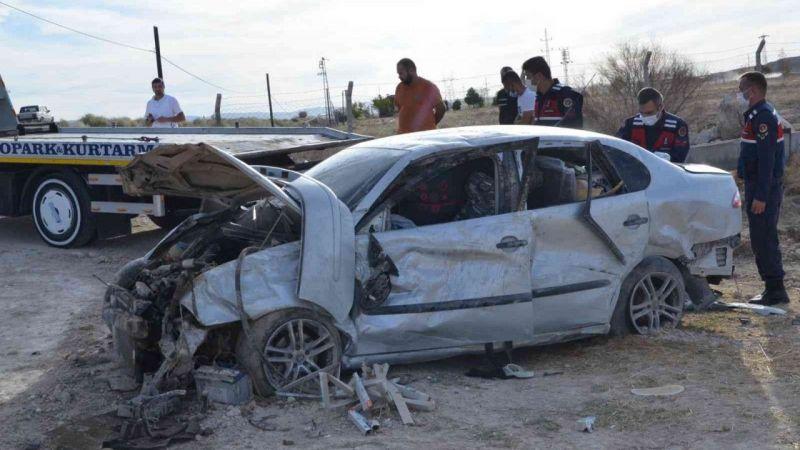 Ereğli'de şarampole takla atan otomobildeki 2 kişi yaralandı