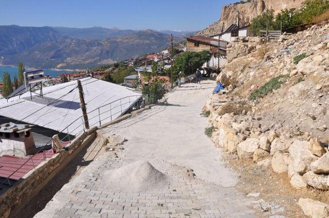 Boyacı Sokak'ta kilitli parke kaplama çalışmaları tamamlandı