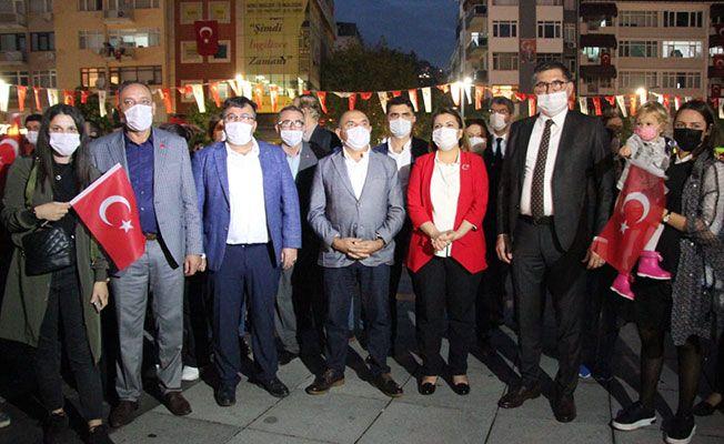CHP, Cumhuriyet için yürüdü