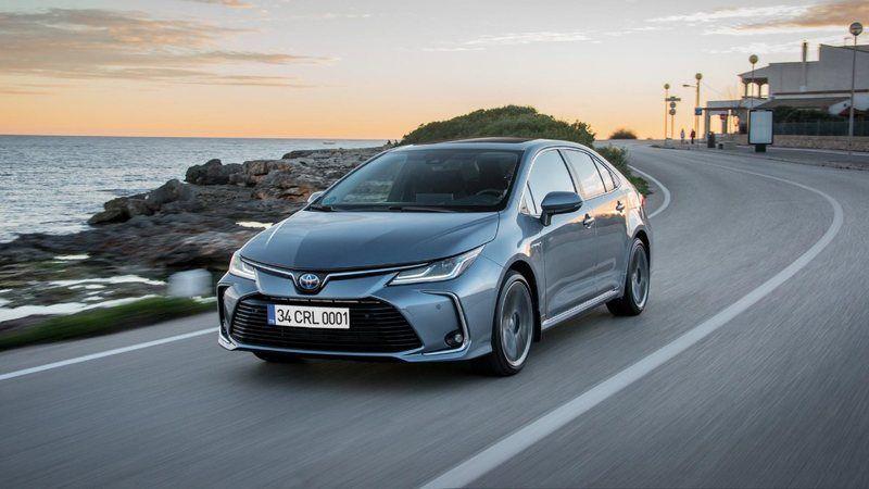 Toyota Corolla Fiyatları El Yakıyor! 350 Bin Liradan Başlıyor, Bu Fiyatlarla Toyota Almak Artık Hayal Oldu