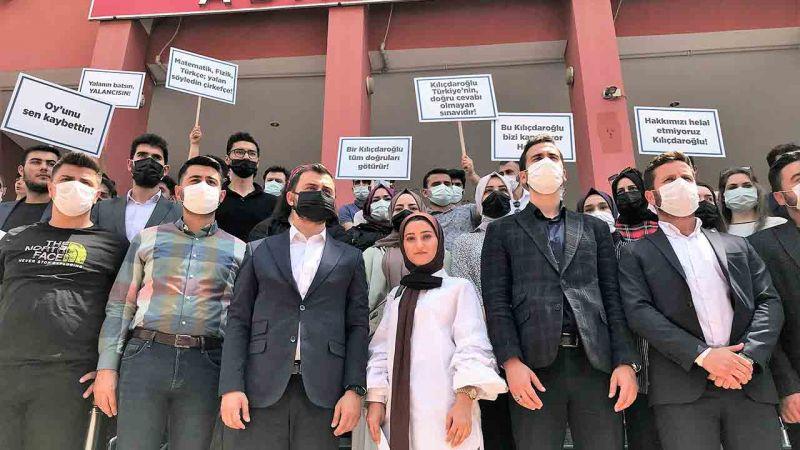 Kocaelili Gençler Dava Açıyor! Kemal Kılıçdaroğlu'na 1 Liralık Dava