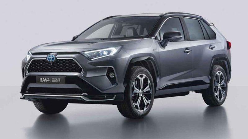 Toyota Olmayan Arabaların Reklamını Yapmaya Devam Ediyor: Bayiye Giden Araç Bulamadan Dönüyor! Toyota Araç Yok! Neler Oluyor?