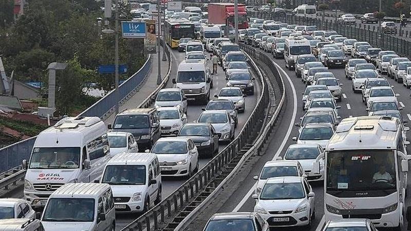 Yola Çıkacaklar, Yolda Olanlar Dikkat! Karayolları Genel Müdürlüğü Şimdi Duyurdu: Anlık Trafik Ve Yol Durumu Nasıl?