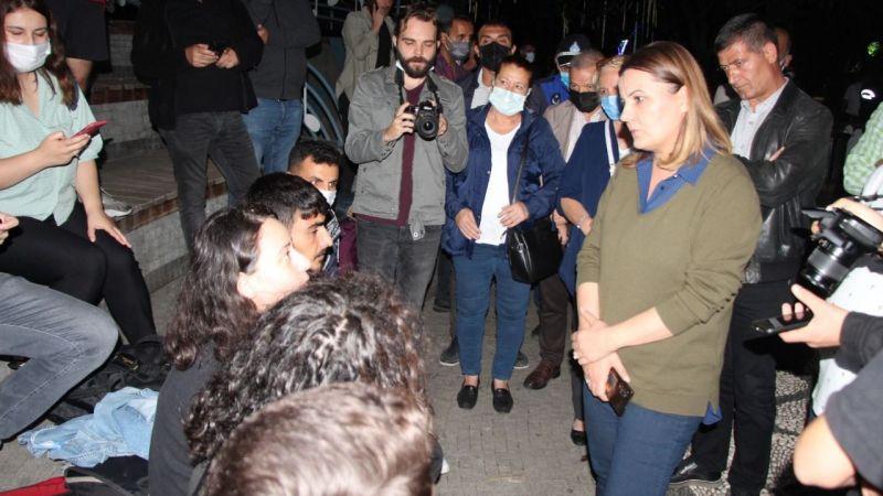 Öğrenciler Sokakta Kaldı! Fatma Hürriyet'in Anne Yüreği Dayanamadı... Vadi İzmit Evleri Öğrencilere Verilecek!
