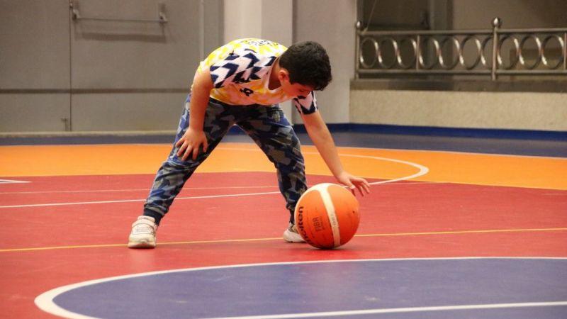 Tezer Tuğcu Çalıştırıyor! Geleceğin Basketbolcuları Derince'de Yetişiyor...