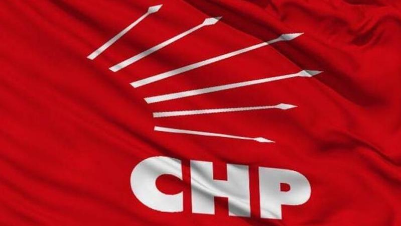 CHP İlçe Başkanına CHP'li yöneticiden el hareketi