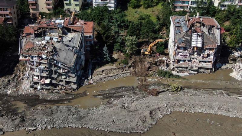 Sel felaketinde can kaybı artıyor!