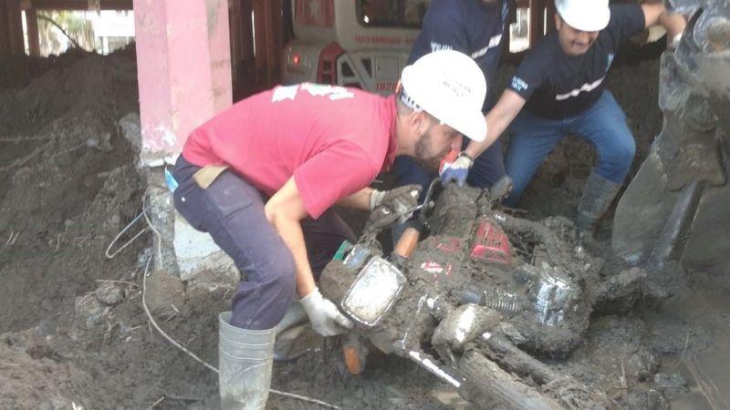 İZBAK, selin vurduğu Bozkurt'ta çalışmalarını sürdürüyor