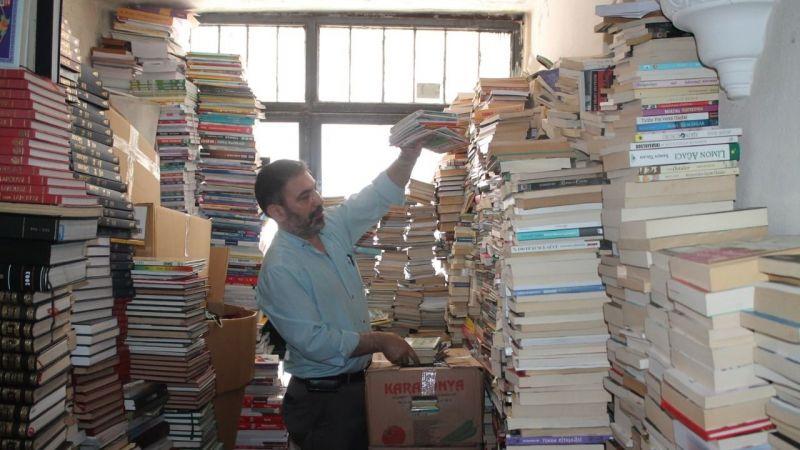Topladığı kitaplarla rekor kırdı
