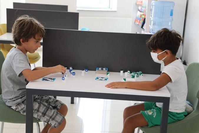 Akıl ve Zekâ Oyunları Atölyesi'nde çocuklar eğlenirken öğreniyor